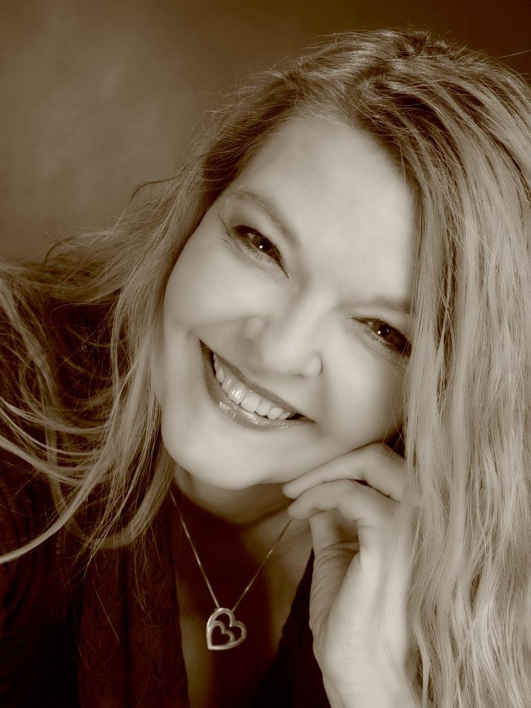 Petra A. Bauer - Autorin, Bloggerin, Journalistin und GartenFee aus Berlin
